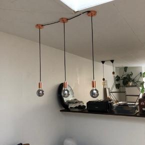 Sælges pga. Flytning. Pærerne er LED og kun 2mdr gamle. Sælges samlet.