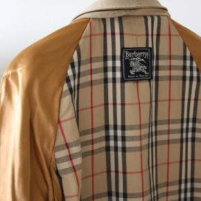 Burberry jakke i st XL. Den er derfor for stor til mig, og jeg håber, at den kan få en ny ejermand.