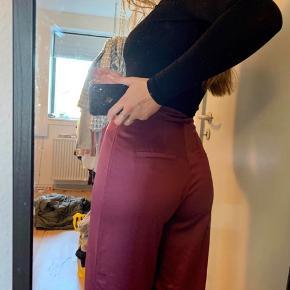 Lækre satin bukser fra Vila Byd💕