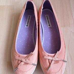 Björn Borg ballerina sko, kun prøvet på Kom med et bud. Sender gerne