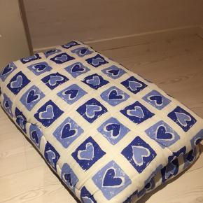 Dejligt tæppe /dyne  Lidt retro agtig