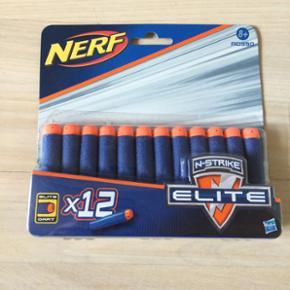 Nerf skud. 12 helt nye i original emballage. Bælte med 12 skud og 30 ekstra skud. Sælges samlet for 200. For enkeltdele, byd :-)