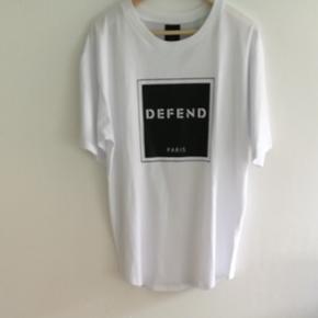 Defend tshirt t-shirt med tryk