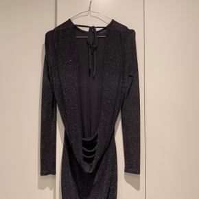 Glimmer kjole i elastisk stox