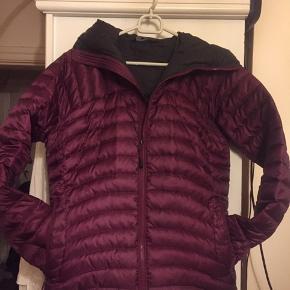 Rigtig lækker jakke  Er rigtig glad for den og den Fejler intet, har bare været lidt for hurtig 😊😊😊