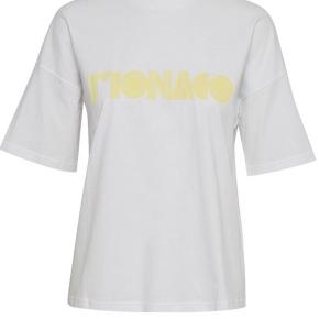 Sælger denne smukke t-shirt fra Gestuz i en størrelse small, fitter også en medium. ✨✨