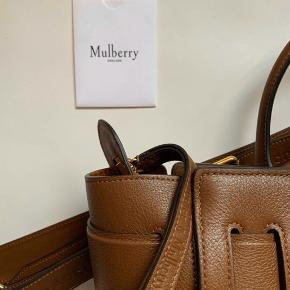 Acne & Mulberry Collab.   Limited & Sold out.   Bud og bytteforslag har ingen interesse.