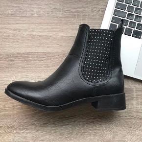 Støvler / str 39 / 200 inkl fragt /nye