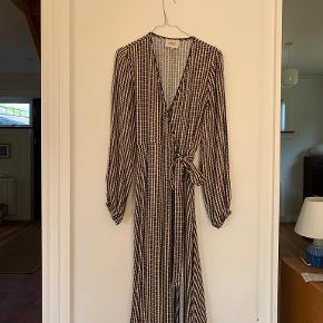 Second Female anden kjole & nederdel