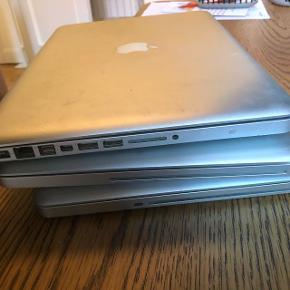 Sælger tre styk gamle MacBooks (1 x mackbook og 2 x mackbook Pro) med tilhørende opladere. DE VIRKER IKKE - er gået i stykker grundet alderdom, har ikke kunnet tænde eller har været for langsomme. Køb til brug af reservedele!De er fra 2007-2010 agtigt.   De sælges samlet. Afhentes på Amager eller sendes (køber betaler porto). BYD!  Mvh. Julie