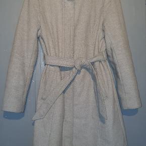 Sælger kun denne jakke på grund af den er blevet for lille