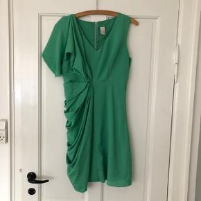 Flot grøn kjole, perfekt til sommer