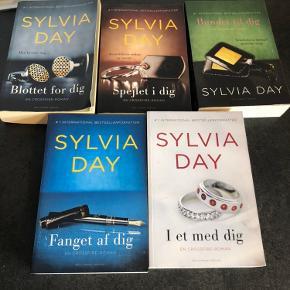 Sylvia day bøger, helt nye, serie på 5, Kun bog 1 er læst, resten er nye. Sender ikke.