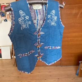 Simone By Mayentl vest