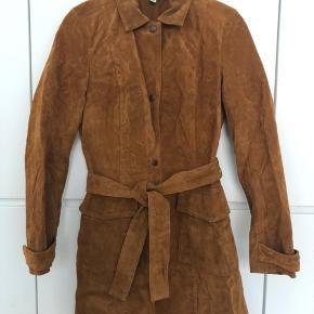 Zara Trafaluc pure Suede trench coat. Camel color, size S. Excellent condition, never worn.