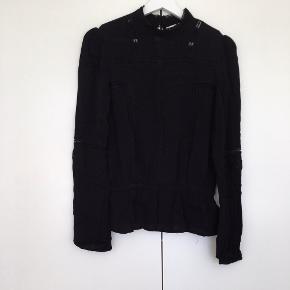 Skjorte med blonder og elastik i taljen🌞
