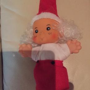 Gl. Julenisse pige nedsat