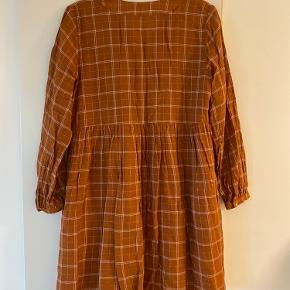 Mega fin kjole som aldrig er blevet brugt