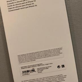 Helt nyt cover i hård silikone til iPhone xs.. Kun lige prøvet på telefonen, men det var ikke lige hvad jeg søgte..  Kom med et bud.