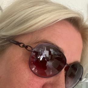 Prego solbriller aldrig brugt Super smarte  Nypris 799,- Kr 175