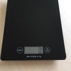 Digitalvægt madvægt  køkkenvægt  Sort virker perfekt, har bare 2