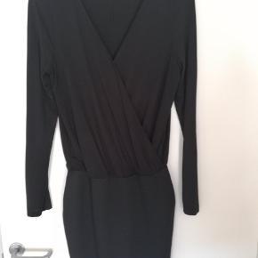 Skøn kjole fra Vila, aldrig brugt. Str.M