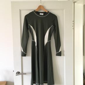 Wood Wood kjole