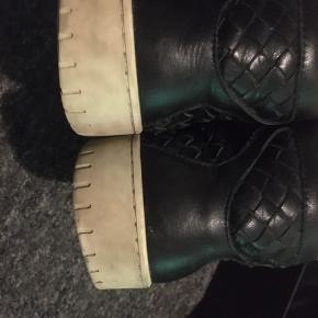 Sælger disse fede sneakers, som kun er brugt få gange, og som har en cond på cirka 8,5/10