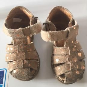 Pom pom rosa sandaler med guld prikker str. 21