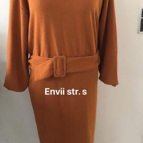 Super flotte kjoler str. xs - s sælges.  Forskellige mærker og priser. Spørg endelig