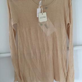 Så fin cremefarvet bluse i let kvalitet i viscose/cashmere