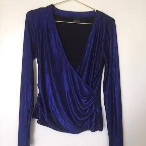 Blå fedt bluse fra Gina tricot