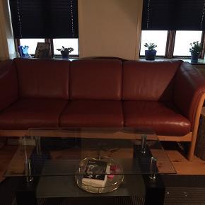 3 personers sofa af okselæder.  Ny pris . 17000,00