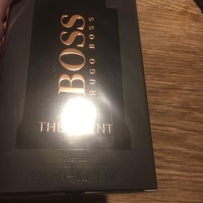 Stor 200 ml Hugo Boss the scent til mænd  Helt ny !! Fast pris 515kr