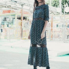 New Lily kjole   Nypris 1200 kr   100% viskose   Mindsteprisen er angivet og jeg er ikke interesseret i at bytte.