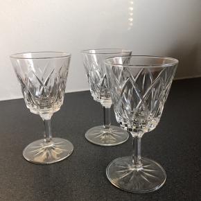 Flotte krystalglas/vinglas. 10 stk. 11,5 cm. høje.