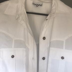 Ganni skjorte i xs, helt ny - fåes stadig i butikkerne