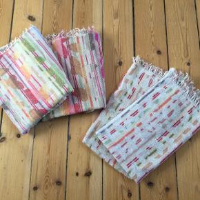 Fire stk Missoni håndklæder - Sommerfugl - sælges samlet.  To stk 40 x 65 To stk 105 x 65  Kan mødes og handle i indre by. Eller sender (køber betaler).