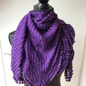 100% silke, 100 x 100 cm