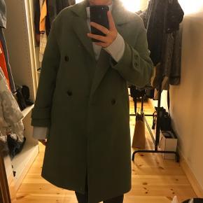 Fin frakke fra Zara, købt i Spanien