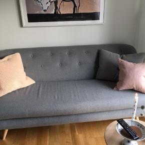 Super fin og velholdt sofa Ukendt mærke Mål: 180x72cm