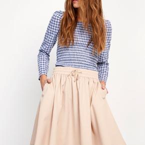 Sælger denne beige Envii nederdel  Brugt et par gange  Ingen tegn på at den er brugt  Byd