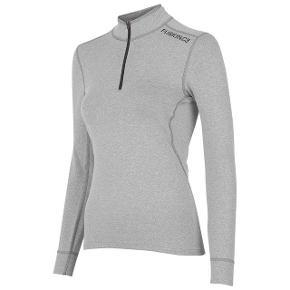 Fusion C3 zip trøje i str. S sælges.  Ny pris 600,-. Brugt meget lidt.  Sælges for 350,- og sendes for købers regning.  Kan afhentes i Aalborg, men også mulighed for afhentning i Århus.