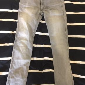 Mango jeans grå. 30/32 slim fit
