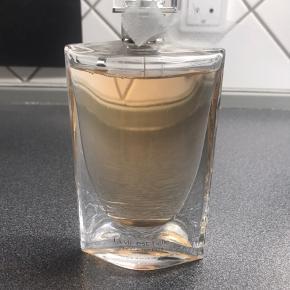 100ml parfume la vie est belle. Næsten helt fyldt:-)