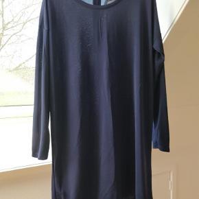 Varetype: Smart kort kjole/ tunika Farve: Se billeder Prisen angivet er inklusiv forsendelse.
