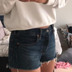 Fede shorts fra Levis💖  Mp: 150 men ellers byd
