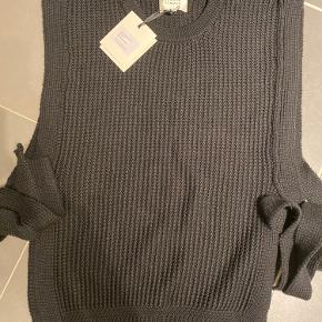 Second Female Vest