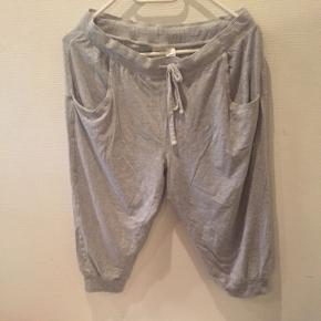 Hm.disneyLav din egen tøjpakke, 10 dele for 100kr, ellers er det nuværende pris der gælder