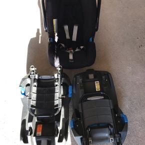 Rømer baby safe autostol med 2 base stationer. Der medfølger også solskærm. Aldrig været i uheld og både stol og baser er i god stand.